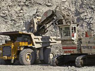 中国进春节消费淡季 铁矿石跌穿63美元低点