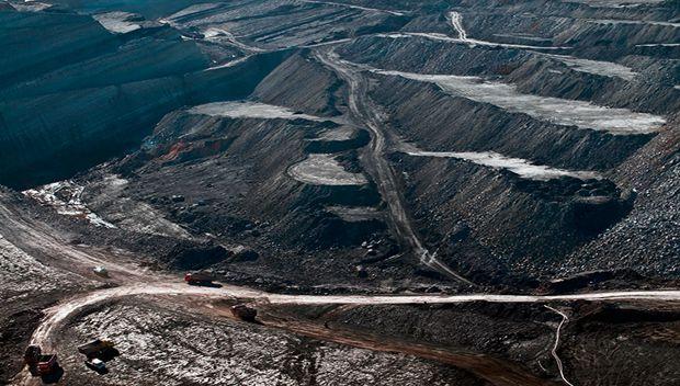 """煤炭行业陷入""""越停产越超产""""怪圈"""