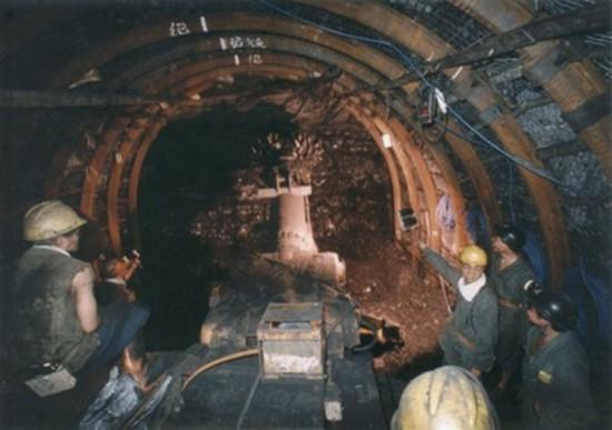 黑龙江七台河一煤矿发生火灾事故 22人被困井下,现在生死未卜